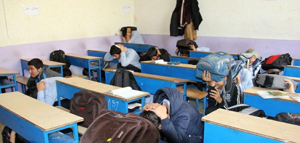 گزارش تصویری: مانور سراسری زلزله و ایمنی در مدارس کازرون/ عکس: علی و علیرضا گلچین