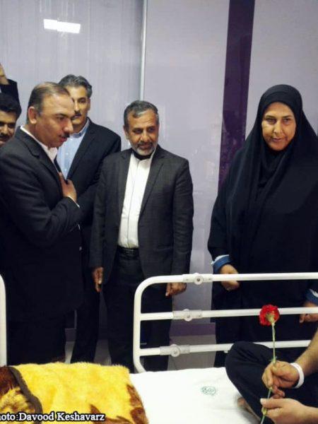 حضور شهردار و اعضای شورای در بیمارستان ولیعصر و عیادت از بیمارن در اولین روز سال جدید/عکس: داود کشاورز