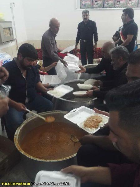 گزارش تصویری: توزیع ۲۰هزار غذا و ۳۵ هزار نان در شب ۲۱ رمضان/ عکاسان: علی و علیرضا گلچین