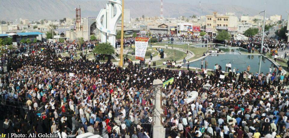 گزارش تصویری: تجمع اعتراض آمیز مردم کازرون به طرح تجزیه شهرستان/ عکاسان: داود کشاورز – علی گلچین – علیرضا گلچین