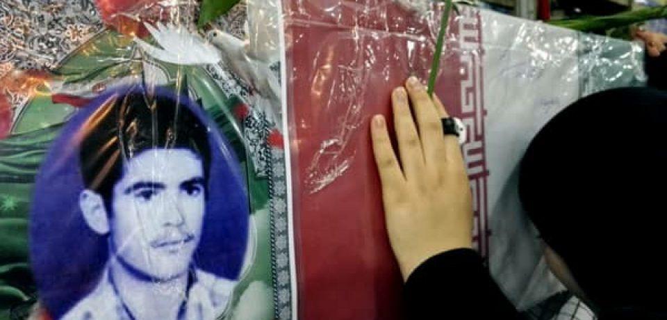 گزارش تصویری: وداع با شهید تازه تفحص شده دوران دفاع مقدس کازرون/ عکس: علی گلچین