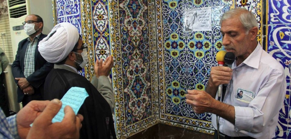 اقامه نماز عید سعید فطر در کازرون/ عکس: علی و علیرضا گلچین